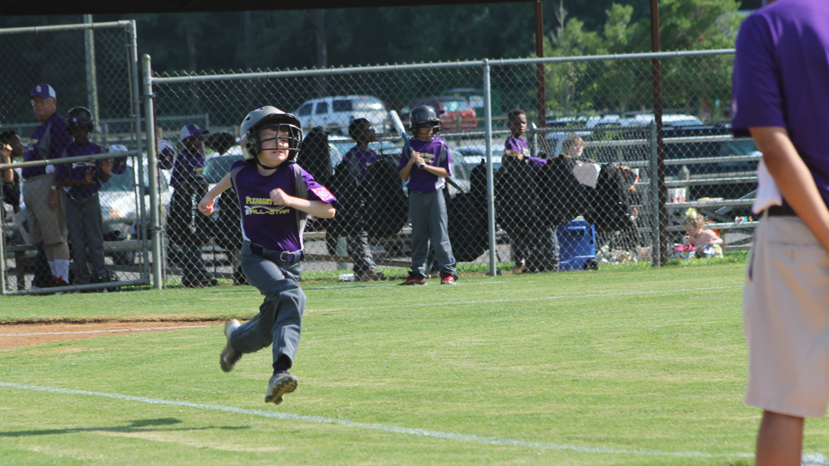 Noah running for home